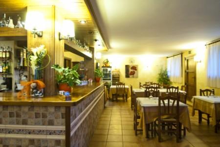 Restaurante la taberna en fredes restaurante en la tinen a de benifass - Casa rural fredes ...
